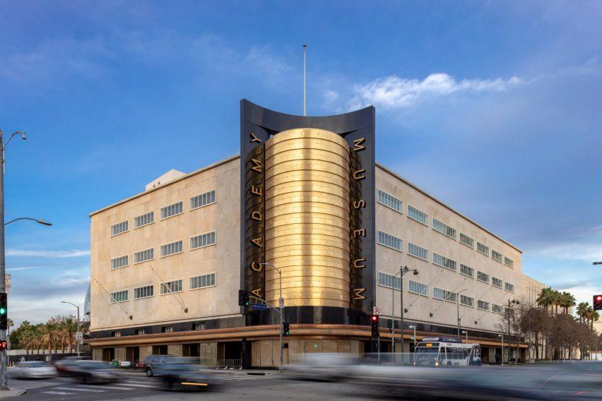 Exterior of 1939 Saban Building in LA