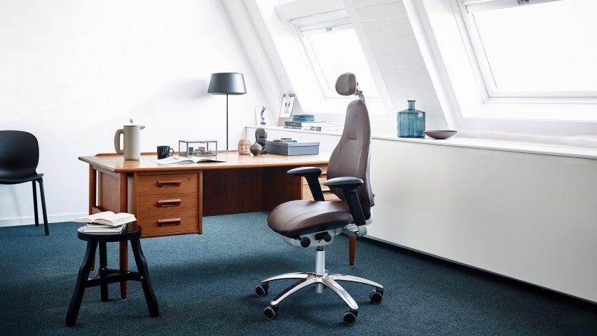 RH Mereo office chair by Flokk