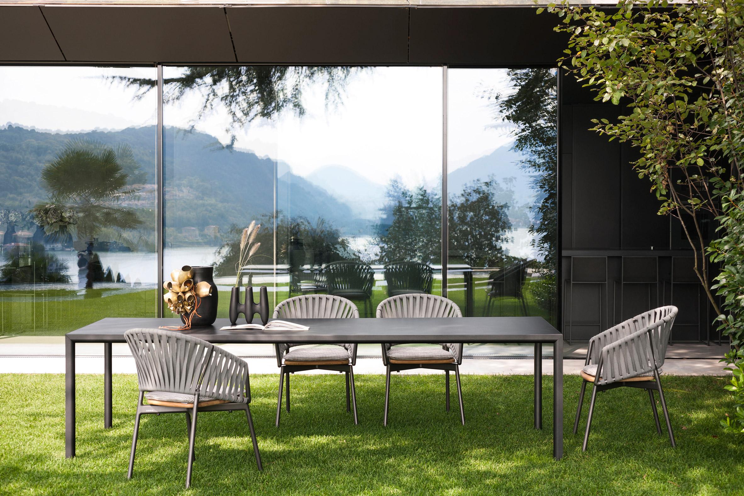 Plein Air outdoor table in the dark colourway by Roda