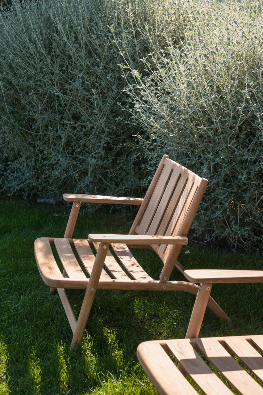 Wooden lounge chair by Piero Lissoni from Levante relaxing collection