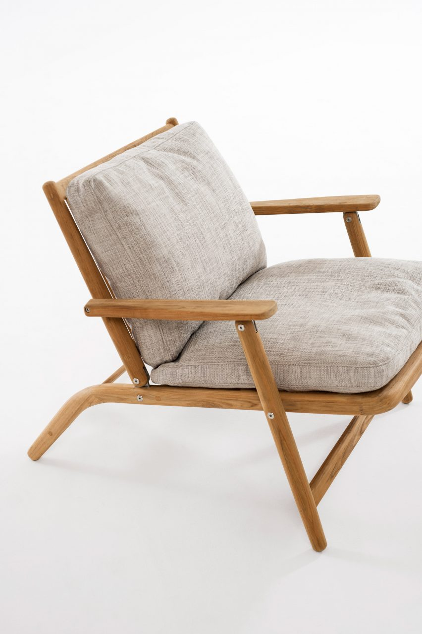 Upholstered Levente lounge chair by Roda