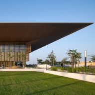 Foster + Partners crowns Sharjah library with giant cantilevered roof