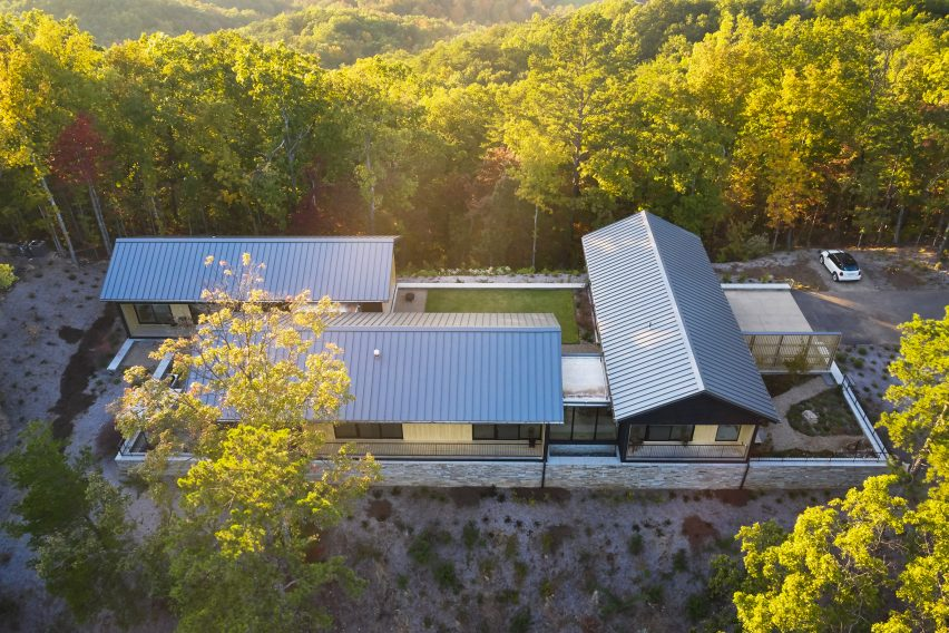 Aerial view of Short Mountain House by Sanders Pace