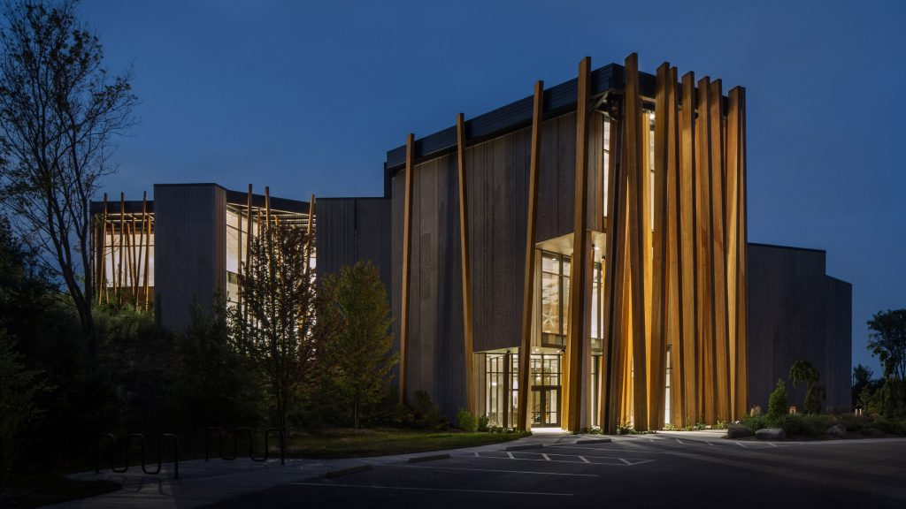 Tres Birds wraps Wisconsin's Art Preserve in slanted strips of timber