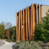 Tres Birds wraps Wisconsin's Art Preserve in slanted strips of fir wood