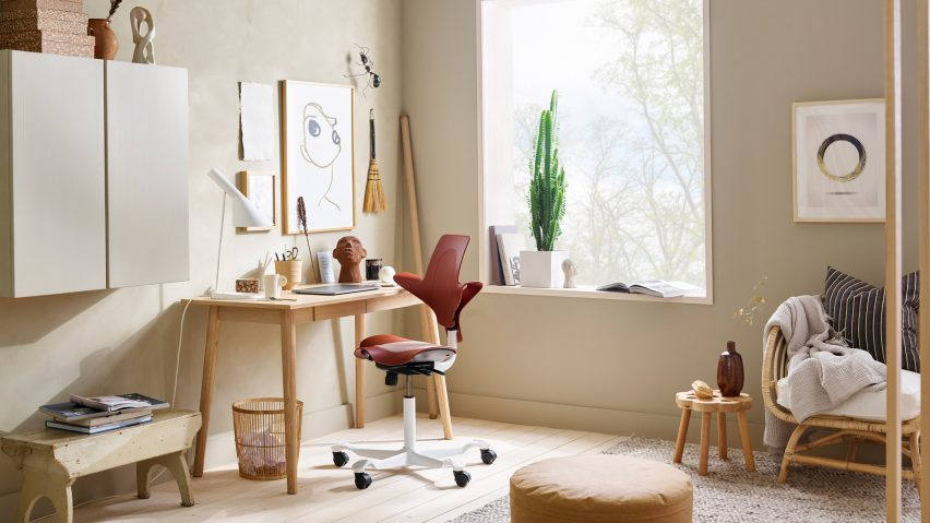 Lifestyle shot of the HÅG Capisco Puls limited edition chair by Flokk