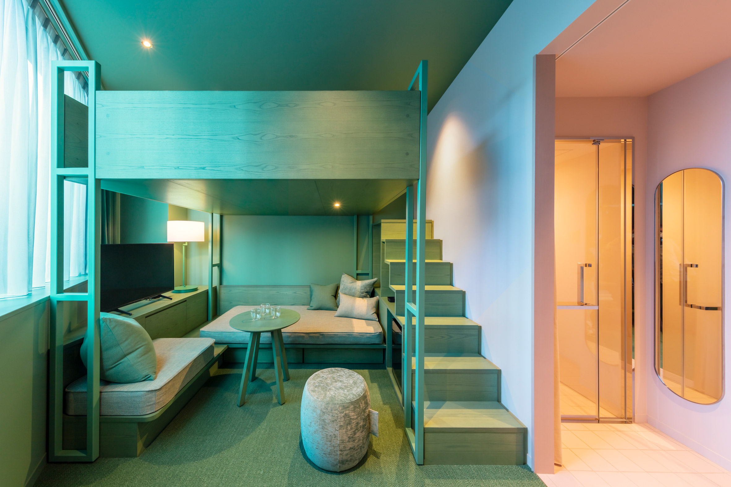 Colourful two-tone bedrooms in Tokyo hotel