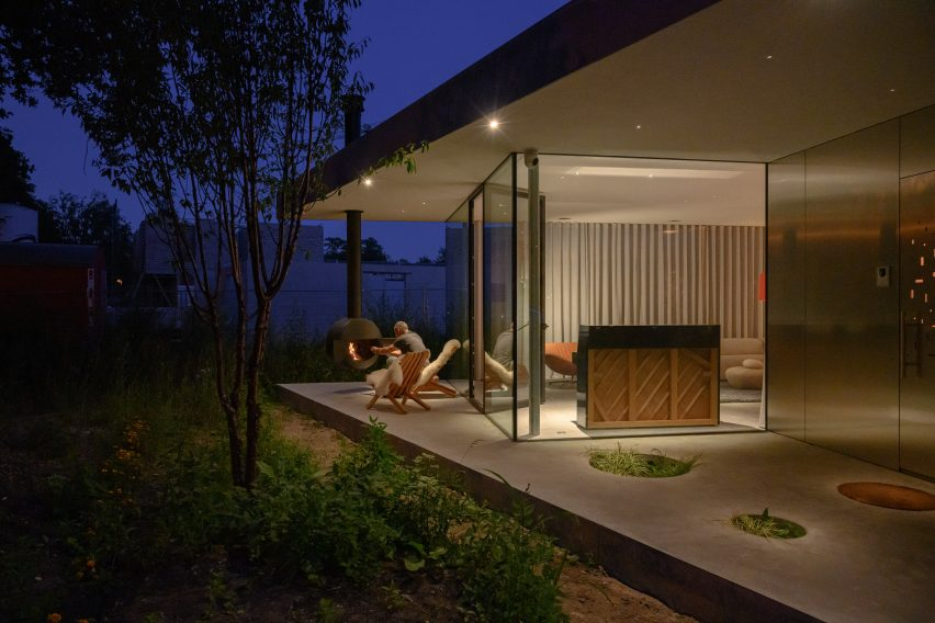 A sheltered terrace outside a family home in Eindhoven