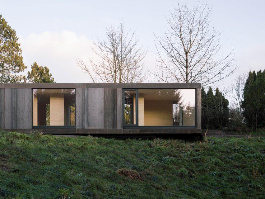Weathering-steel clad house