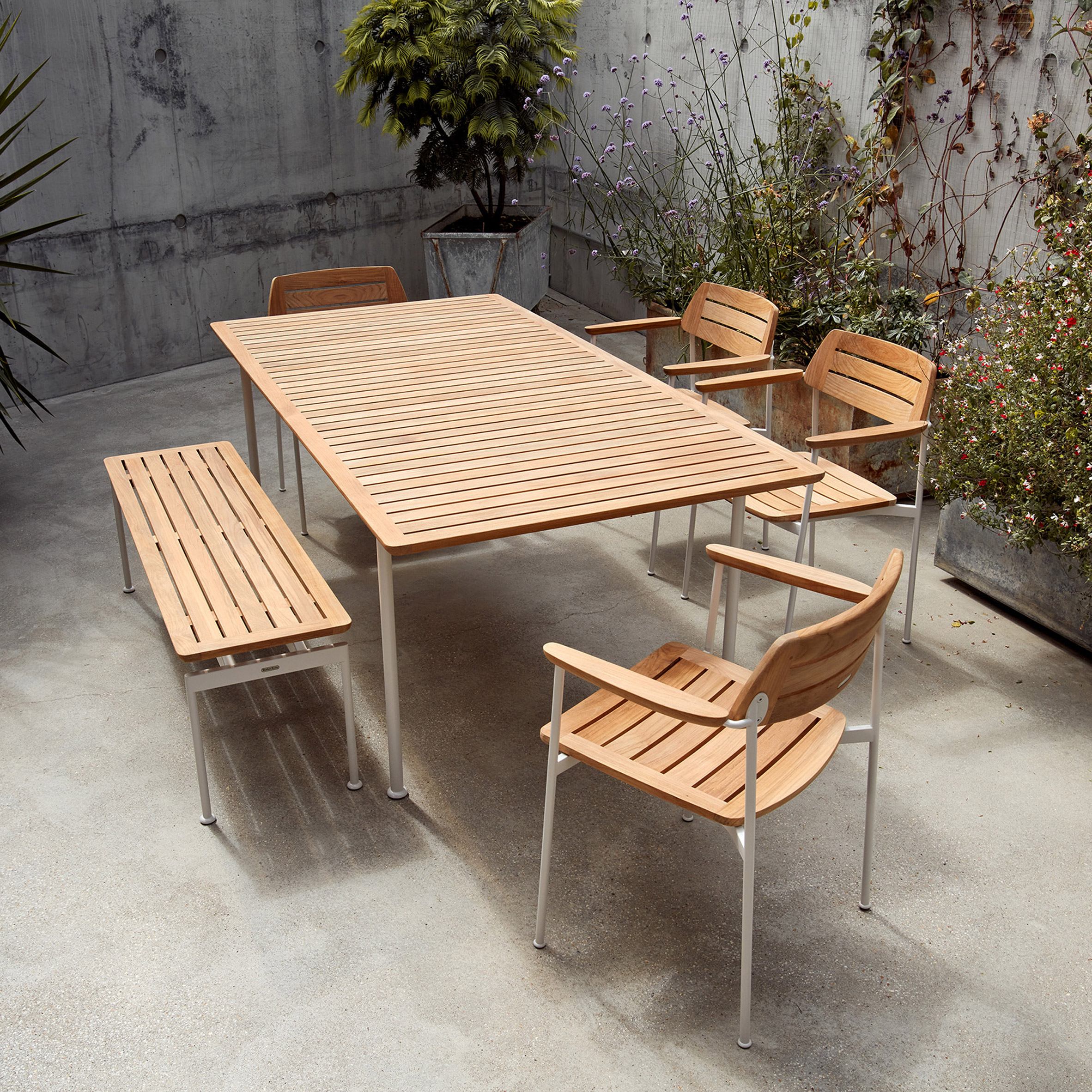 Layout outdoor collection by Andrew Jones and Nathalie de Leval for Barlow Tyrie