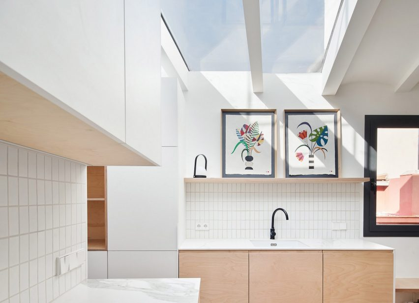Light-filled kitchen in Akari House