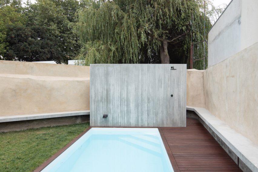Garden walls have an ochre hue