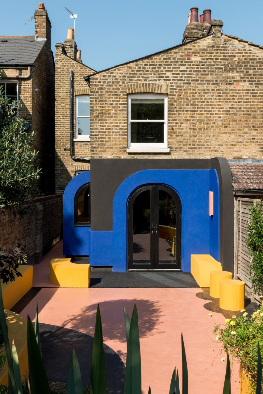 A colourful house renovation in London