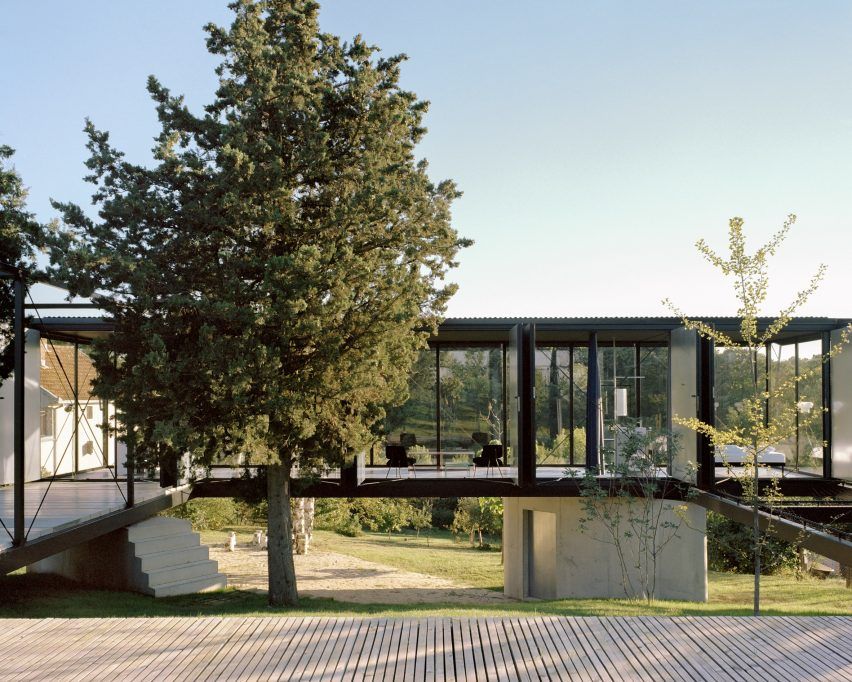 A steel-framed house with a central courtyard