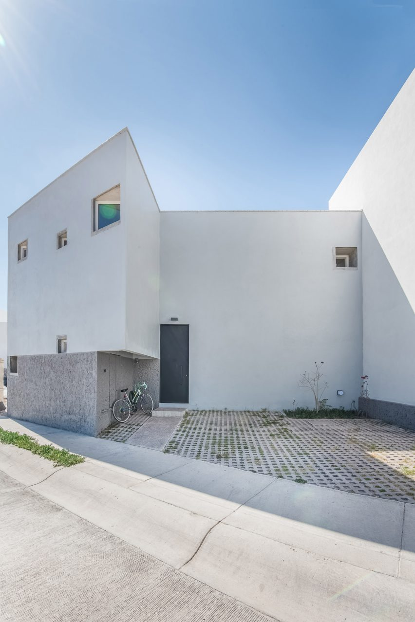 The house is in Aguascalientes in Mexico