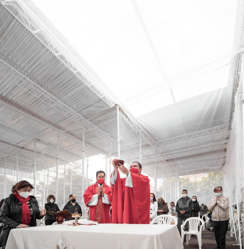 Pop up church in Bogota designed for the pandemic
