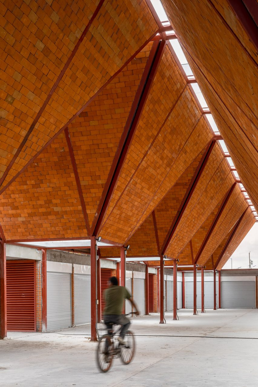Interior of Matamoros Market by Colectivo C733