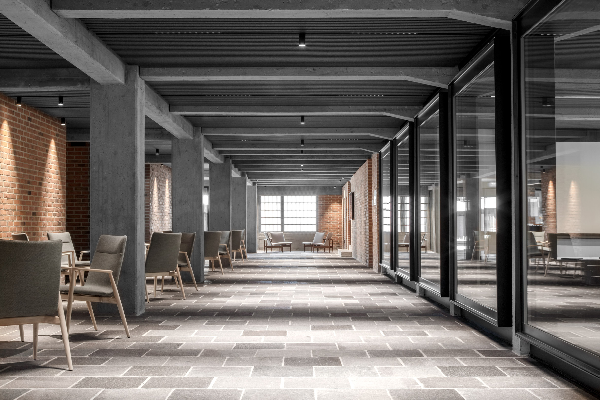 New axis in Cusanus Academy renovation by MoDus Architects