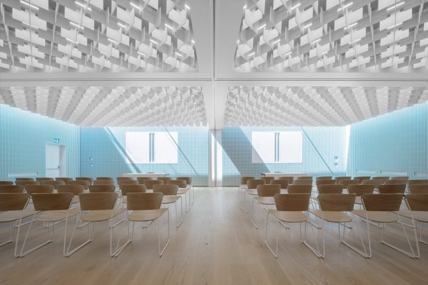 New conference hall in Cusanus Academy renovation by MoDus Architects