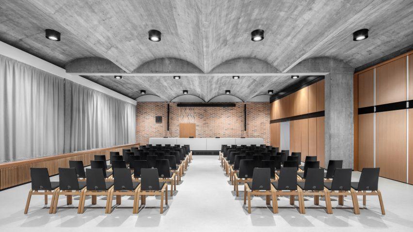Concrete vaults at Cusanus Academy renovation by MoDus Architects