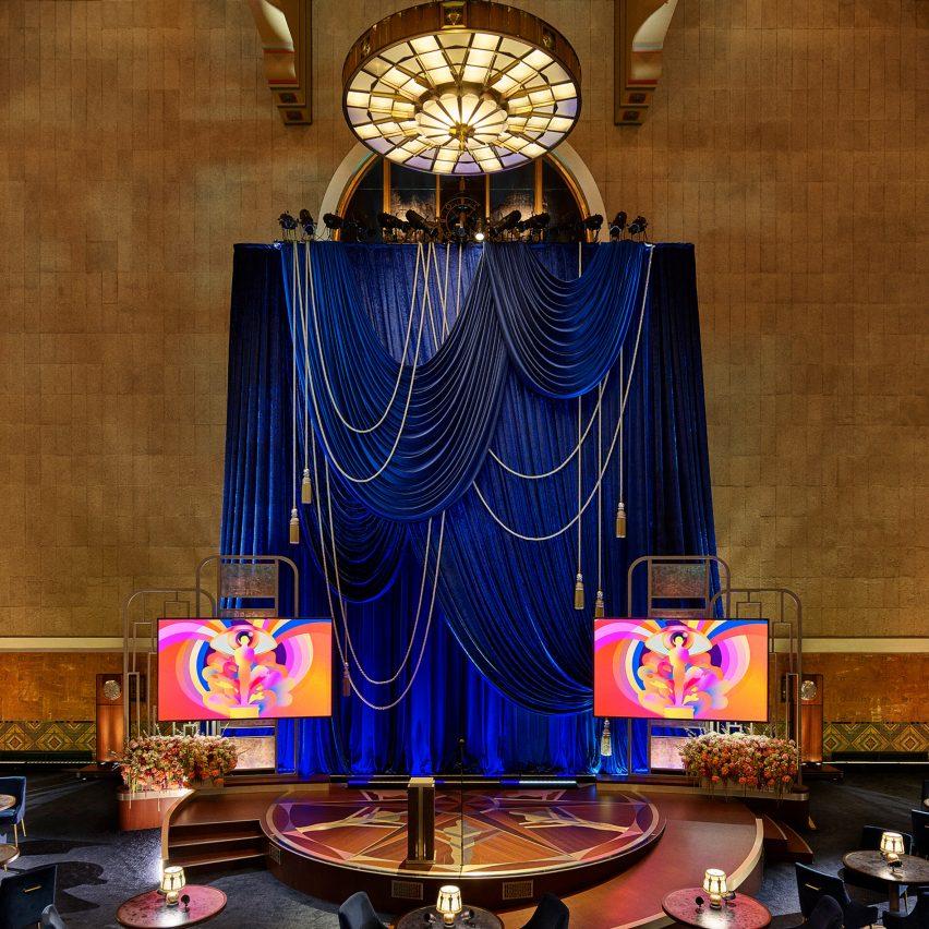 David Rockwell designed the set