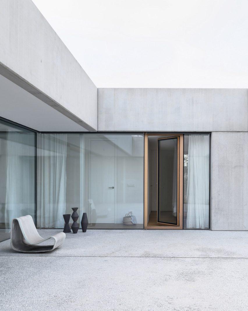House for a Ceramic Designer in Ljubljana, Slovenia, by Arhitektura d.o.o