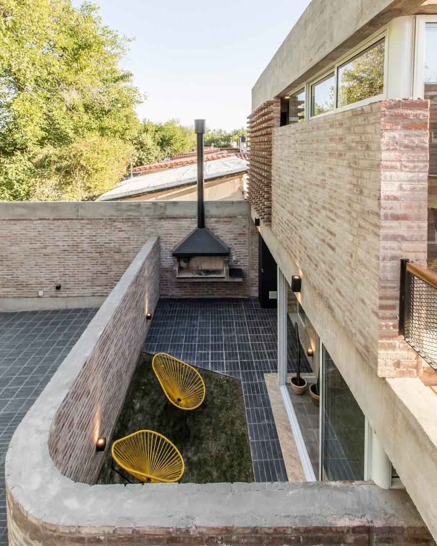 Martinez 3458 in Mendoza, Argentina, by Primer Piso Arquitectos