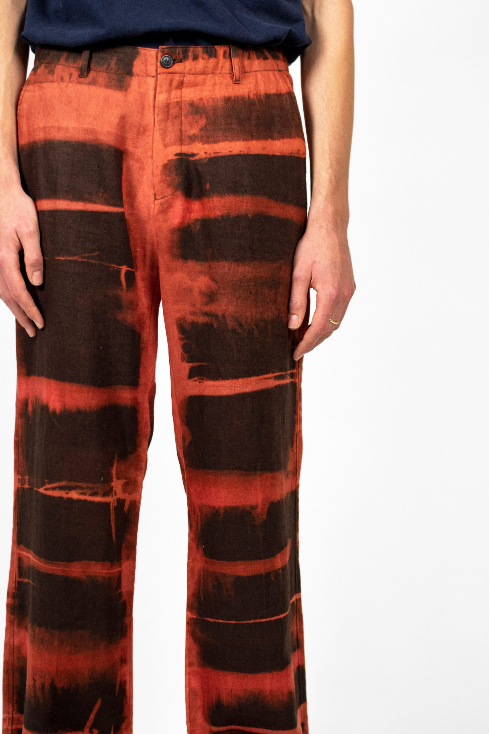 Shibori dyed trousers by Dave Hakkens