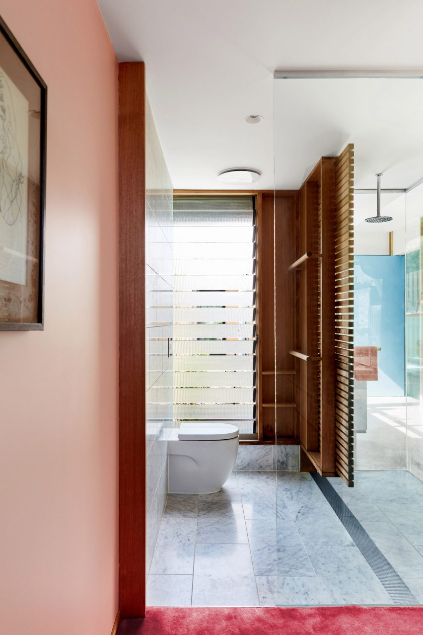 Bathroom in Fleming Park House by Cloud Architecture Studio