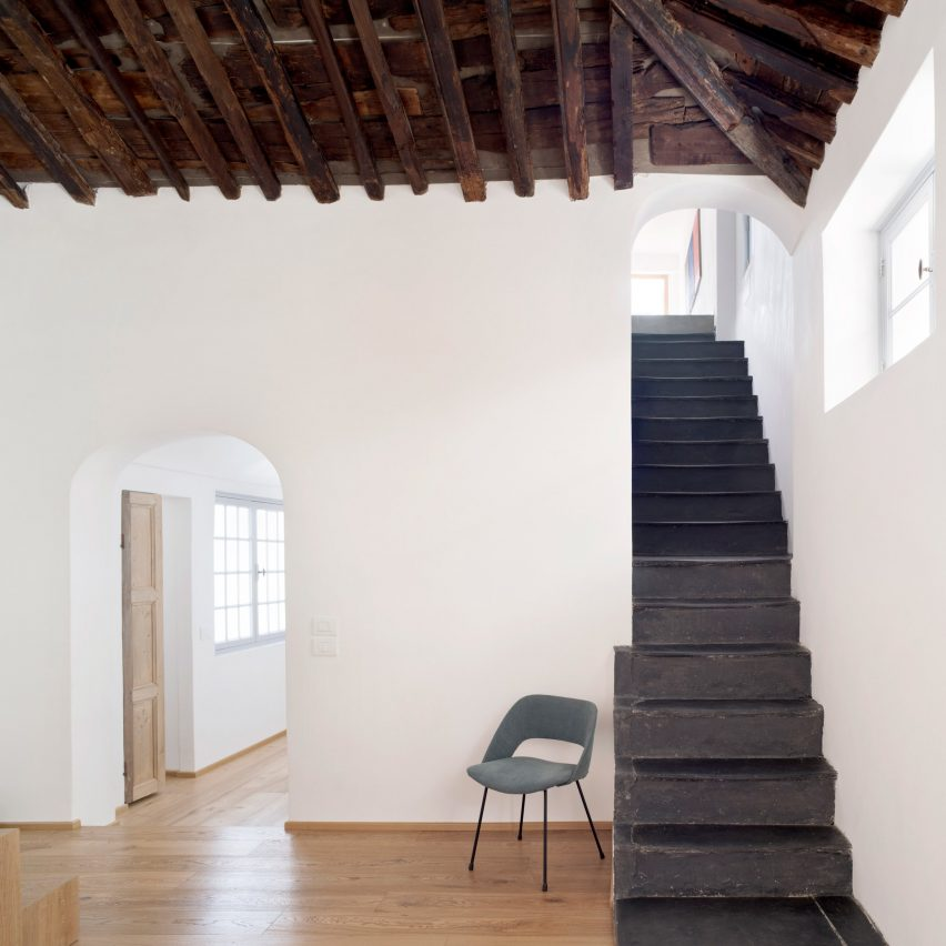 Dodi Moss designs multi-level loft inside 300-year-old Genoa building