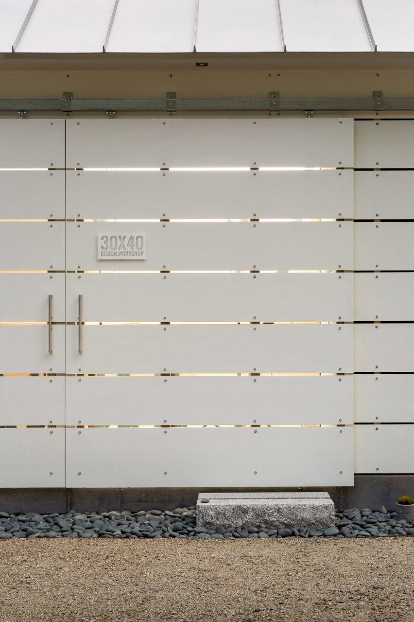 Aluminium sliding barn doors for Long Studio in Maine