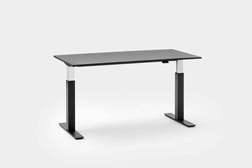 Follow the adjustable office desk from Mara