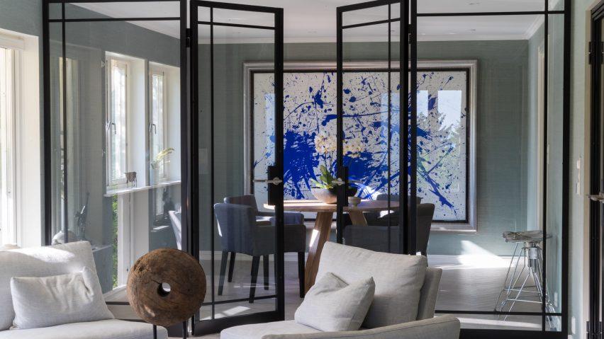 Metalform divider and doorway in a living room