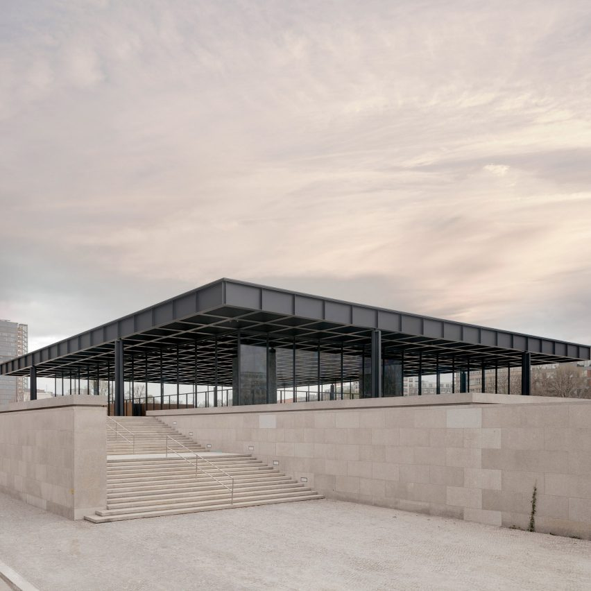 A steel and glass museum by Mies van der Rohe
