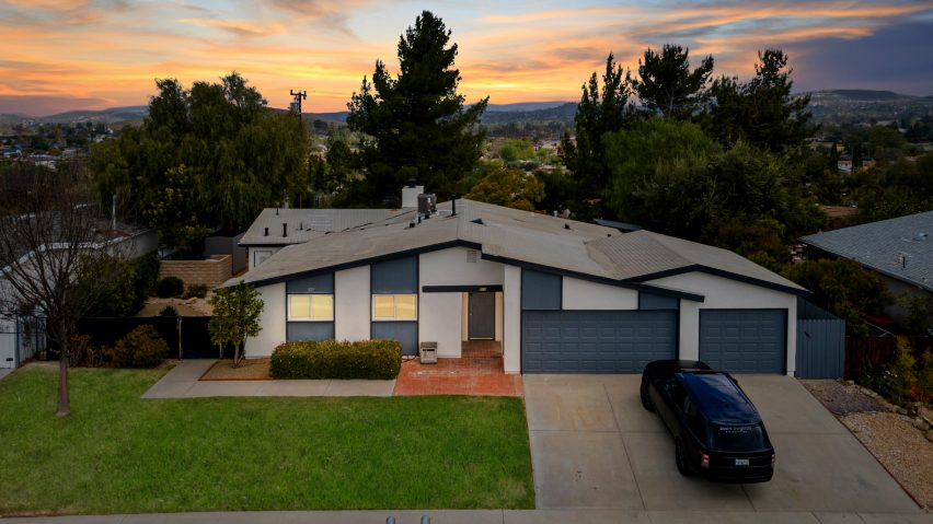House in Thousand Oaks free with an NFT