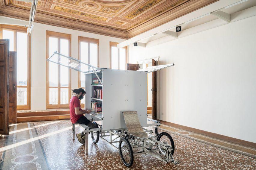 Non-extractive architecture exhibition