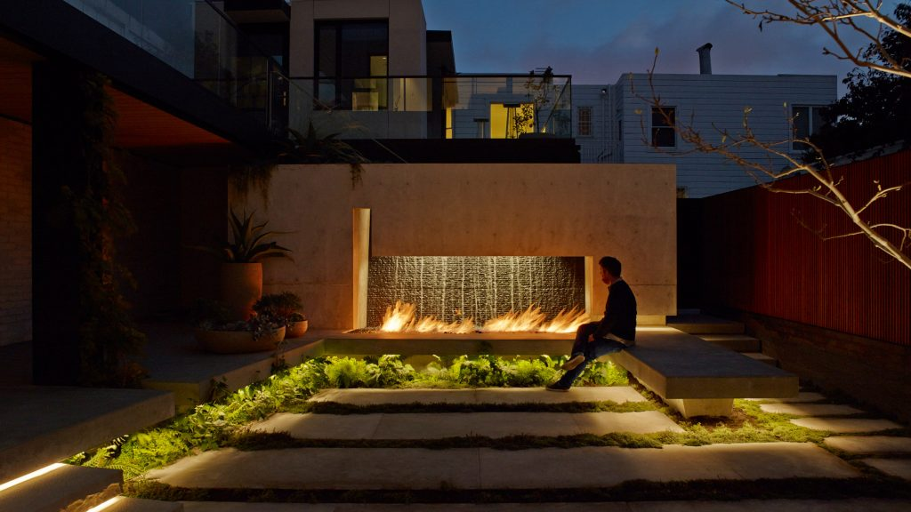 Ten outdoor spaces with warming fireplaces and fire pits