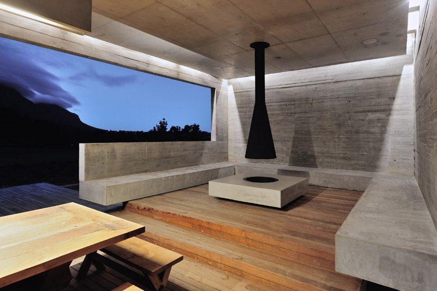Outdoor fireplace in Midden Garden Pavilion