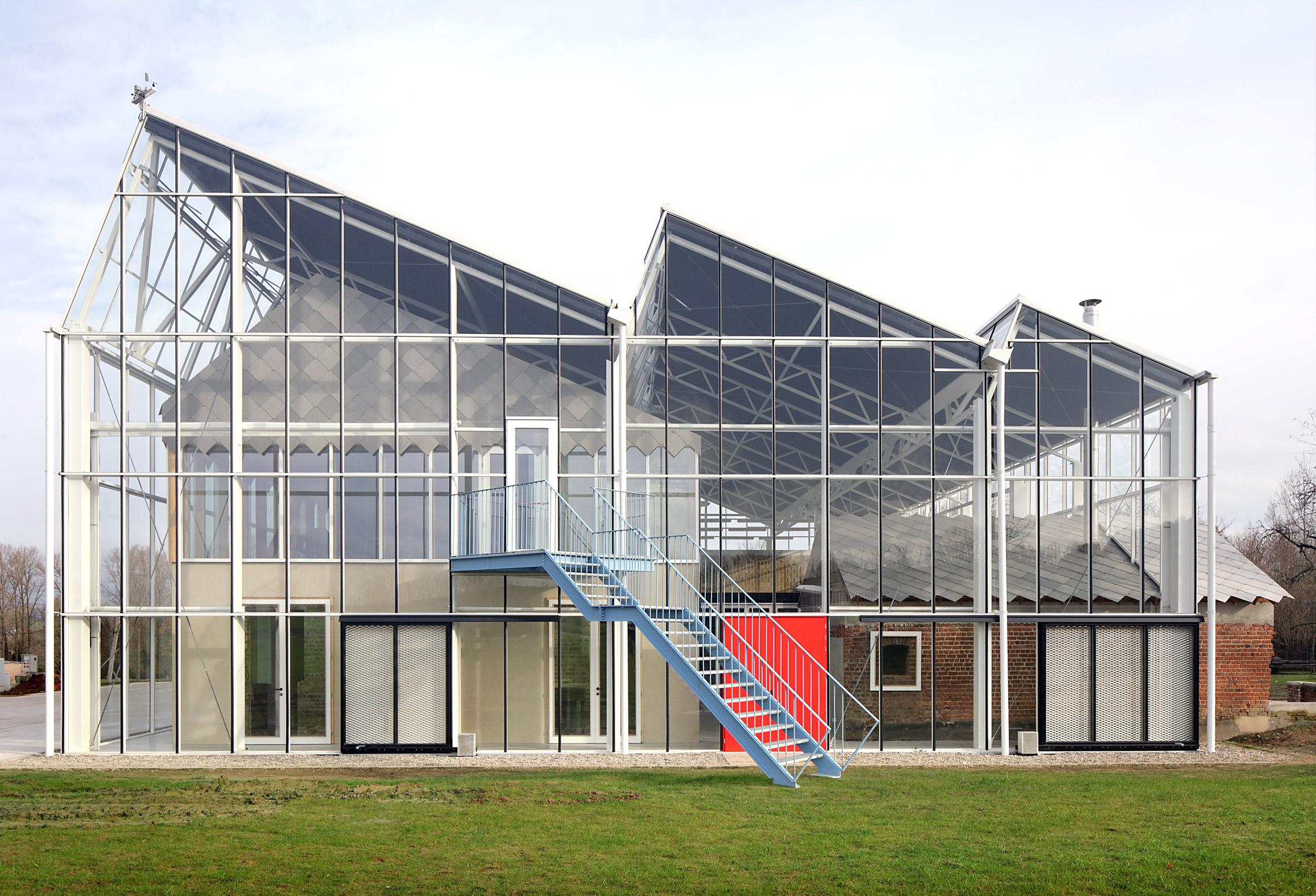 A greenhouse-like educational centre