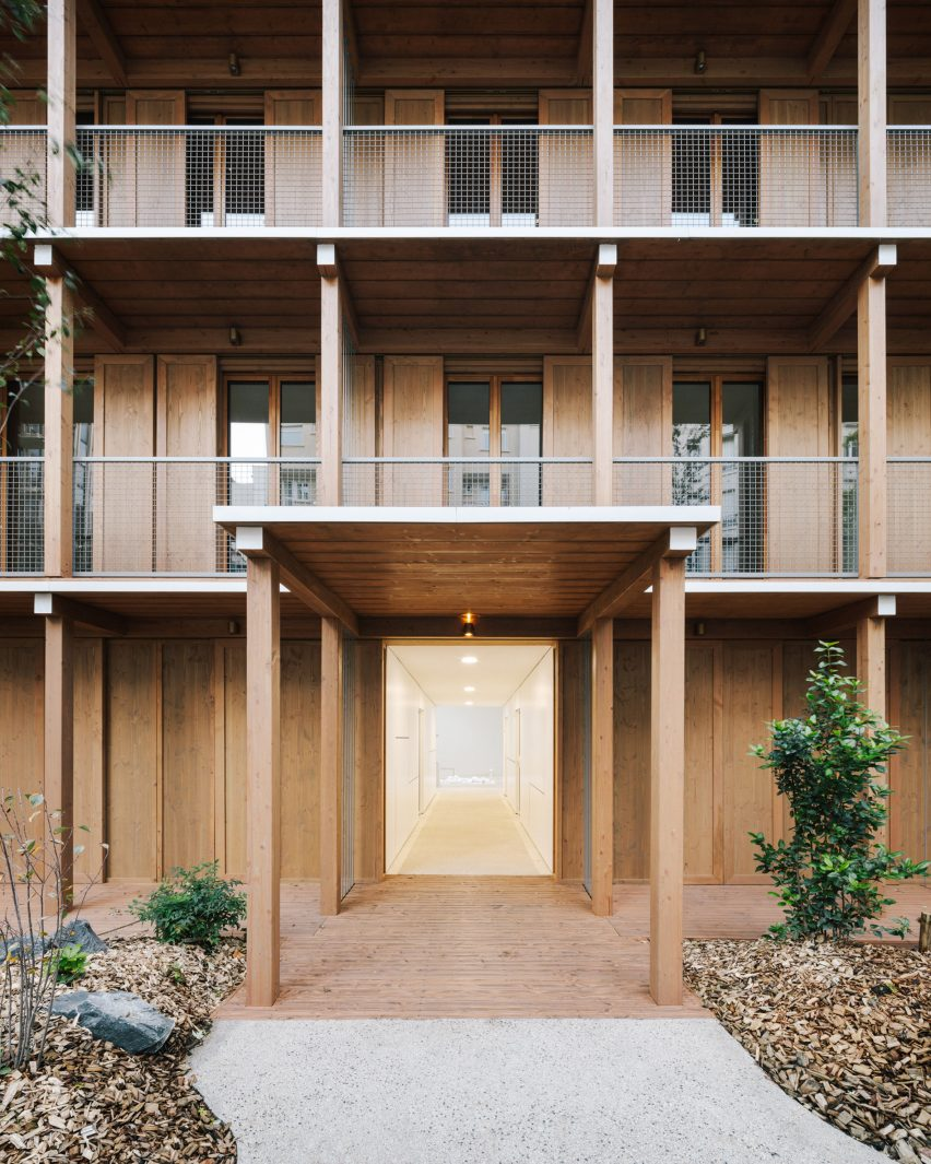 Apartment block built from wooden modules