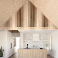 Ell House by Ravi Handa Architect and AAmp Studio