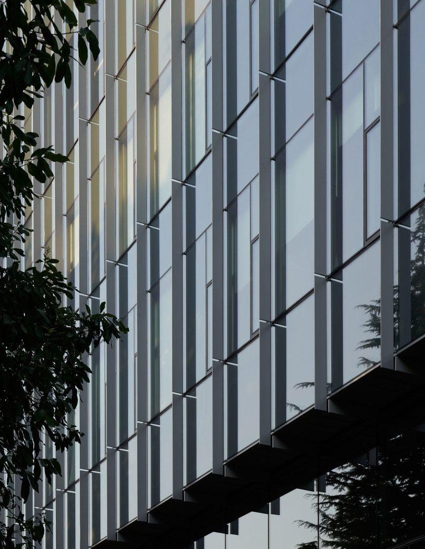 Glass defines The Rosling Center