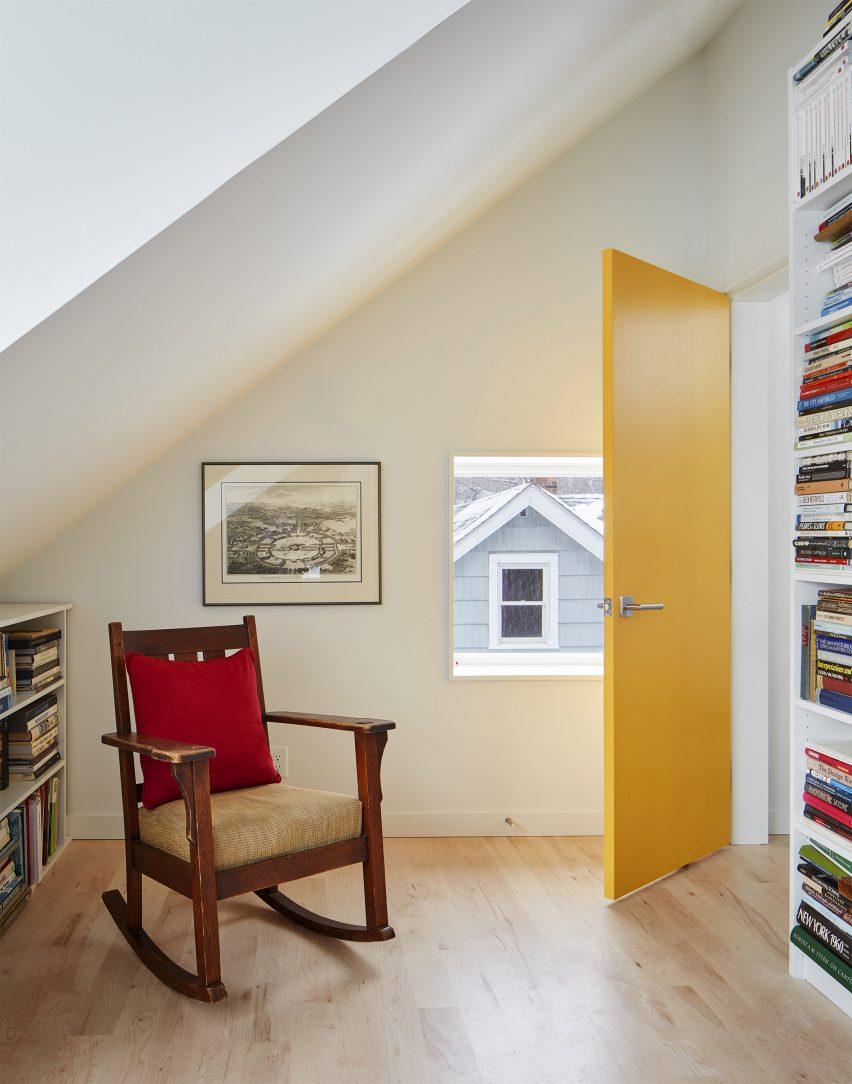 Salmela Architect build a reading room upstairs