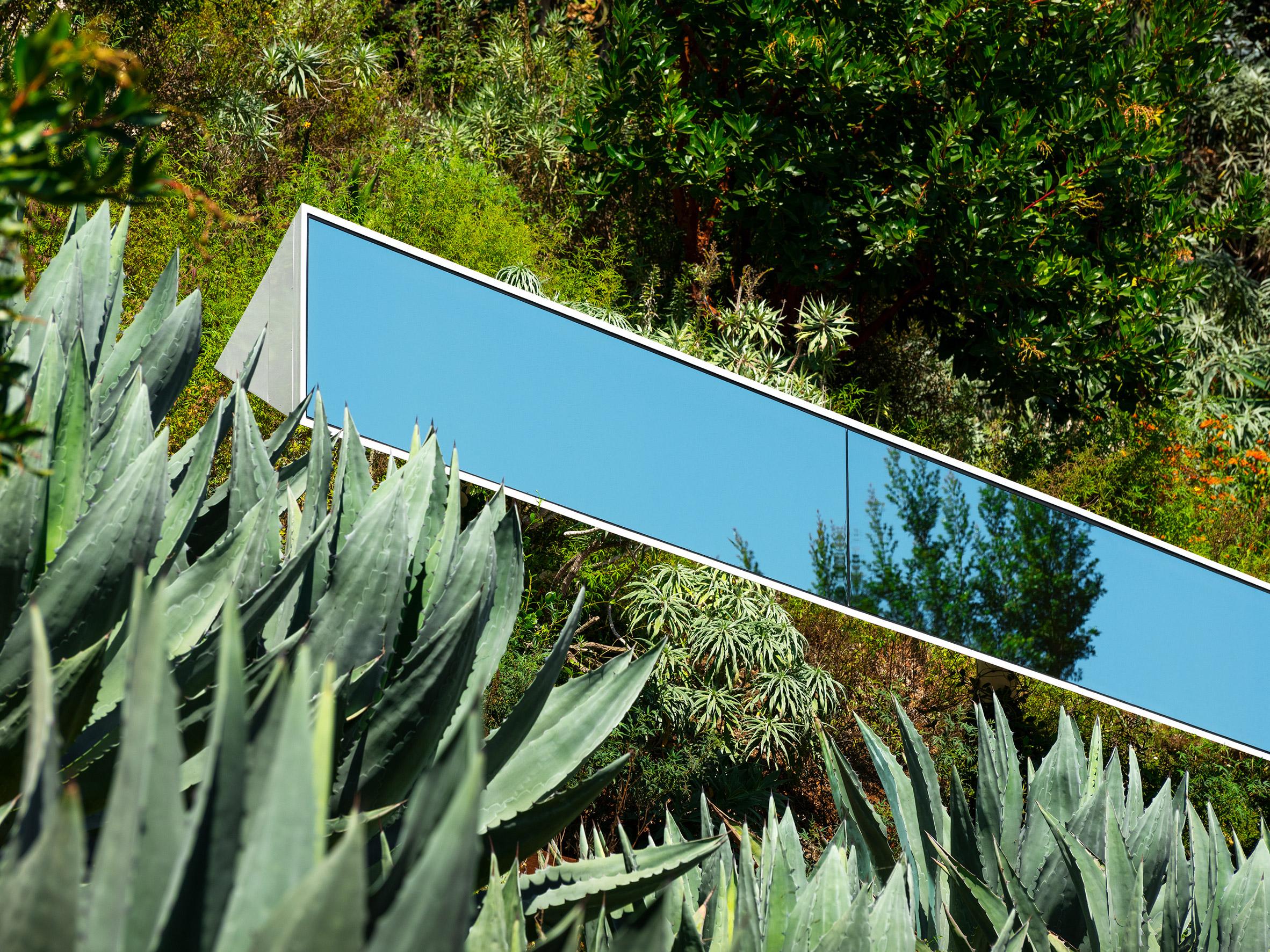 Santa Monica Linear is a mirrored sculpture in California