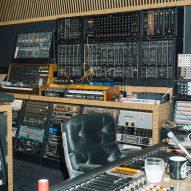 Deewee001 studio by Glenn Sestig for Soulwax