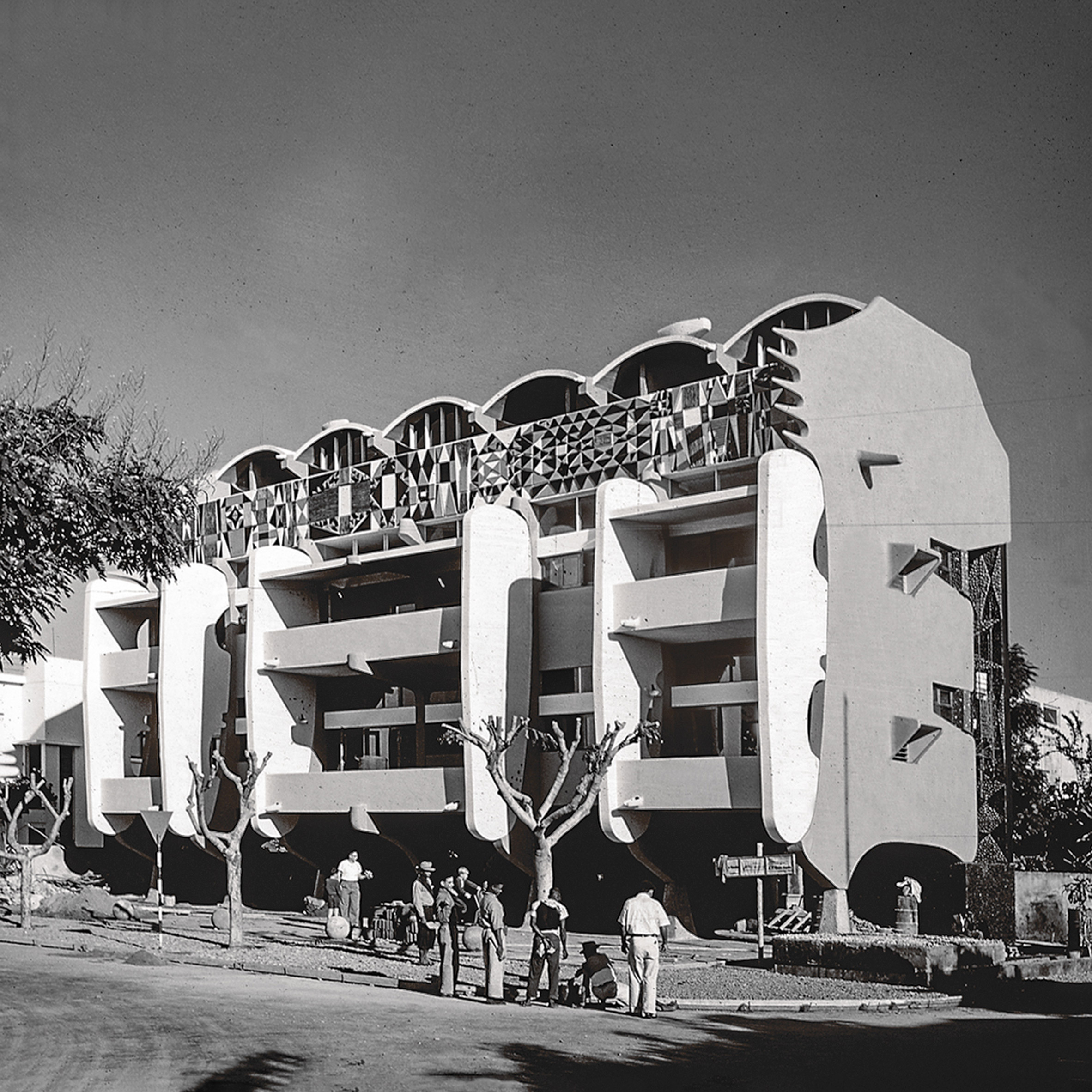 Smiling Lion Building, Maputo, byPancho Guedes