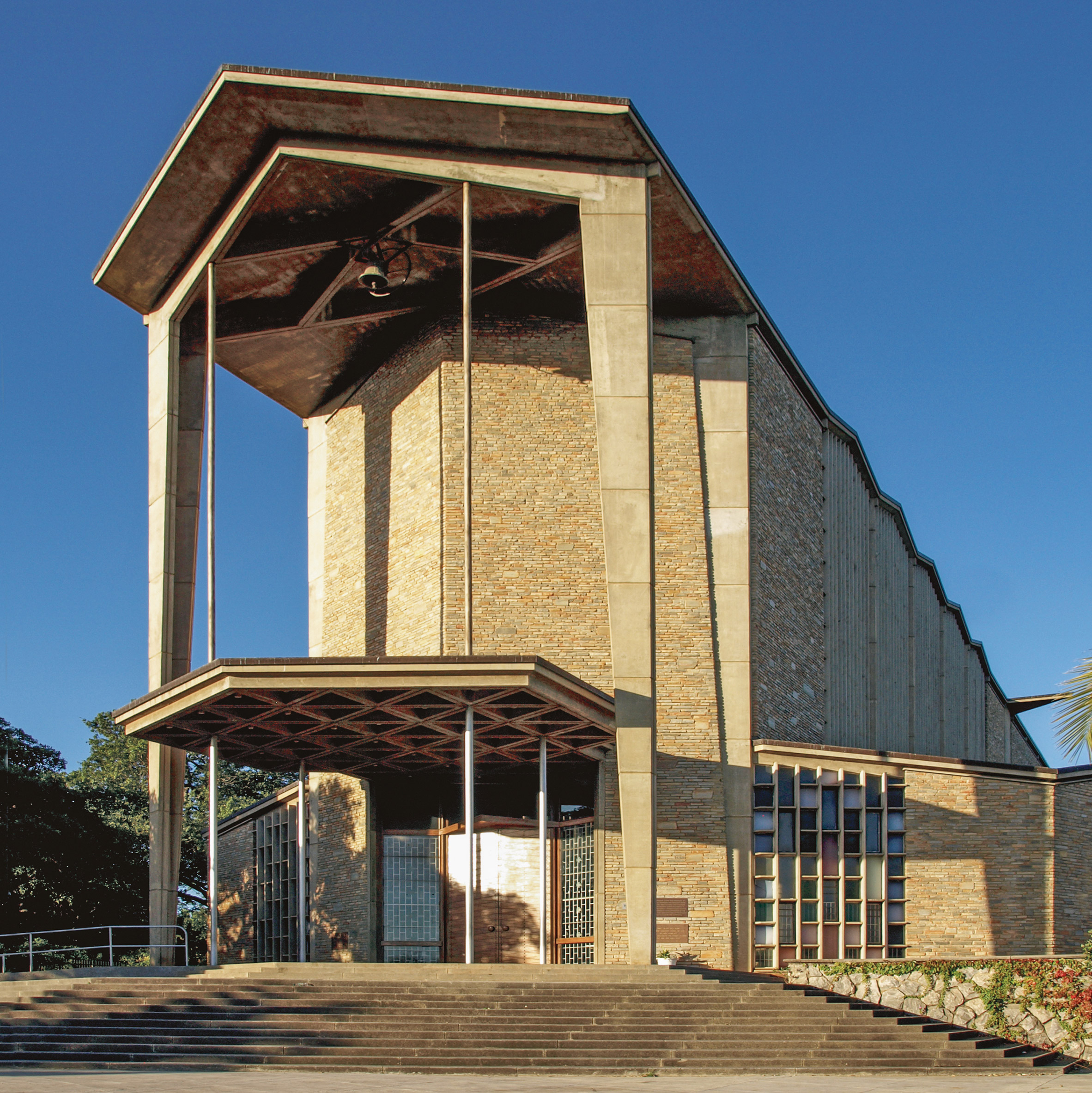 Cathedral of the Holy Cross, Lusaka, by Hope, Reeler & Morris⁄Ian Reeler