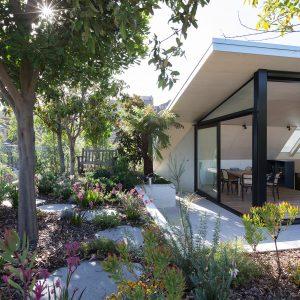 Ten rooftop gardens