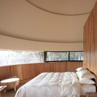 A bedroom in a Chinese guesthouse