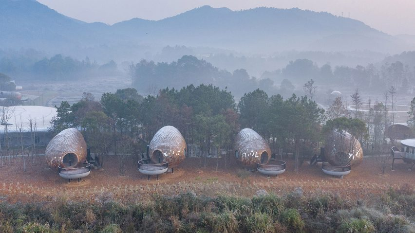 Four seed-like holiday cabins in China
